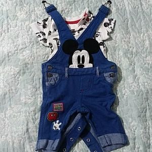 Mickey outfit